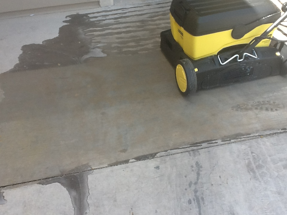 The versatile karcher mirco scrubber use it for carpet or for Concrete floor sweeper